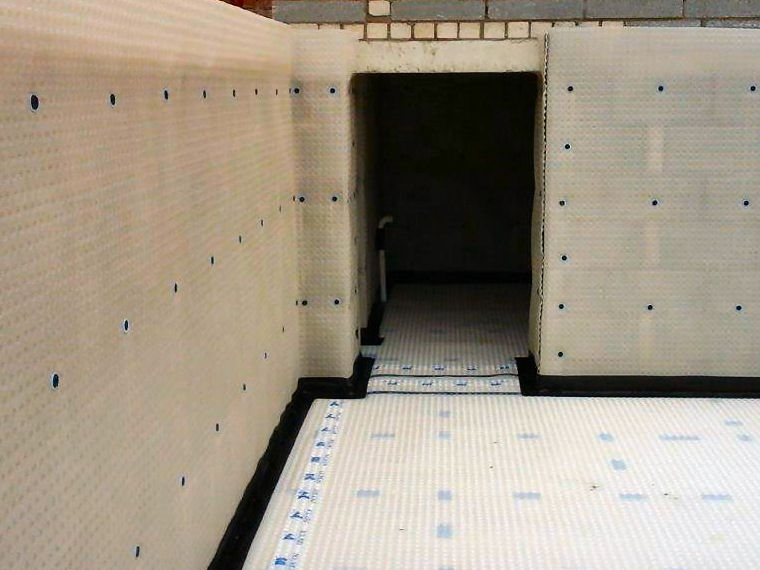 Cavity Drain Membrane to Basement Waterproofing Installation (Type C Drained Protection)