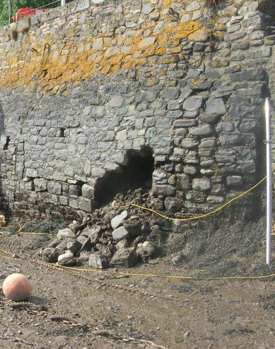 Bowing Wall leading to collapse