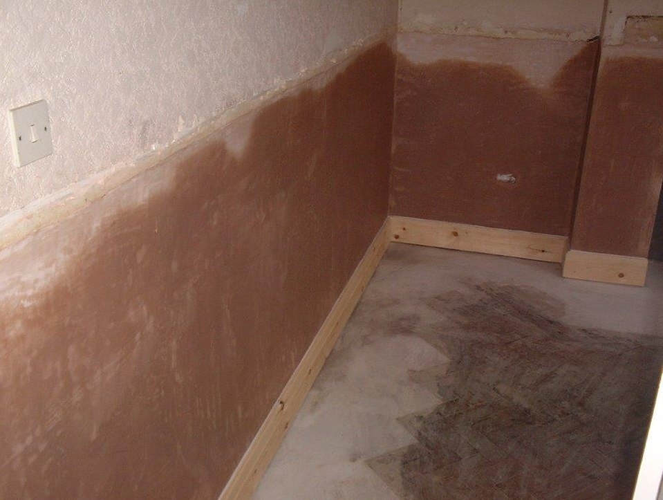 Damp Plaster - Damp Proof Course Required