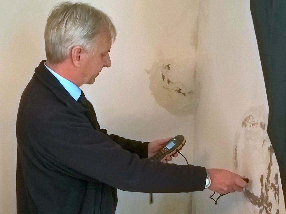 Protectahome Surveyors are knowledgeable specialists who can call on extensive Damp Proofing experience.